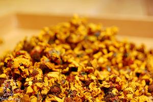 Золотая чайная хризантема
